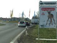 Wittislingen: Leerer Wagen steht im Graben