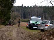 Kreis Dillingen: Mann wird von Holzladefahrzeug überrollt und stirbt