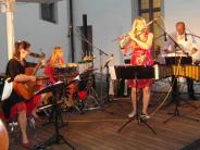 Höchstädt: Fetzige Rhythmen im Schlossambiente