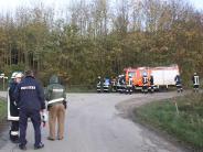 Unglück: Spaziergänger entdecken Auto im Gebüsch