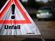 Rögling: Glatteis und zu schnell: 24-Jähriger landet mit Auto auf dem Dach