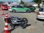 Monheim: 89-Jährige übersieht Motorrad: Fahrer schwer verletzt