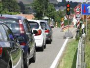 Stau: Lechbrücke gesperrt: Autofahrer brauchen noch immer starke Nerven