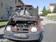 Polizei: Auto fängt beimAnlassen Feuer