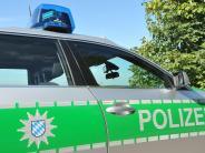 Kaisheim-Sulzdorf: Unbekannter überholt an Kuppe: Unfall