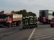Donauwörth-Nordheim: Nordheimer Kreuz: Laster stoßen zusammen