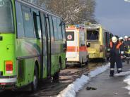 Donauwörth: Schulbussekrachen ineinander - 30 Schüler verletzt