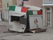 Donauwörth: Ramponierter Pizzawagen wird zur Gefahr