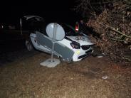 Mertingen: 18-Jährige baut im Kreisverkehr einen Unfall