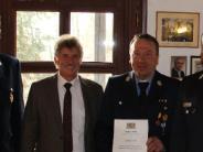 Feuerwehr: Ehrenzeichen für den Ehrenkommandanten