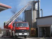 Holzheim-Pessenburgheim: Brand in Silo: Großeinsatz