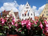 Fuchsien- und Kräutermarkt: Wemdings Altstadt blühte auf