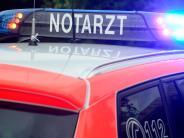 Tapfheim: Rentner läuft in Auto und wird erfasst
