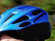 Marxheim: Radfahrerin stürzt: Helm verhindert Schlimmeres