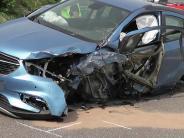 Video: Polizeistreife verursacht schweren Unfall auf B 25 bei Harburg