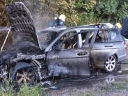 Kreis Donau-Ries: Auto in Flammen - Stau auf der B25