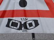 Rain: Auto kracht auf B16 gegen Lkw-Anhänger