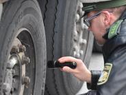 Landkreis: Laster und Busse werden kontrolliert