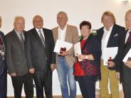 Bäumenheim: Medaillen für verdiente Bürger