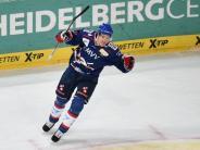 Eishockey: Adler Mannheim binden Stürmer Ullmann bis 2018 an sich