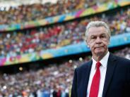 Fußball: Ottmar Hitzfeld kritisiert den Umgang mit Bastian Schweinsteiger