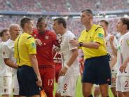 Leser-Blog: Profitiert der FCA gegen die Bayern von früheren Fehlentscheidungen?