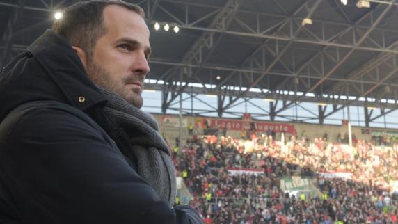 FC Augsburg: FCA-Trainer Manuel Baum sucht nach der Balance