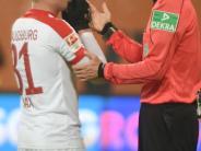 FC Augsburg: Philipp Max muss in einer Doppelrolle überzeugen
