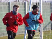 FC Augsburg: FCA verlängert mit Max und Stafylidis - doch wie lange bleiben sie?