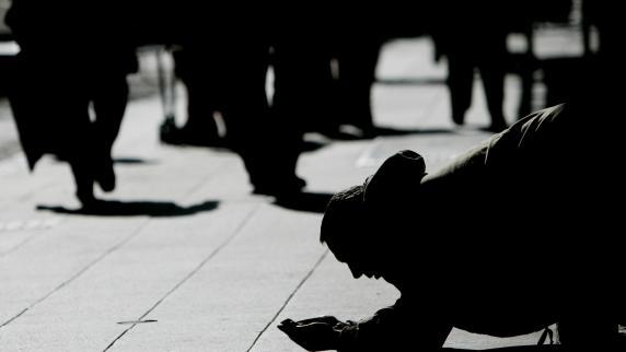 Prozess in Augsburg: Als taubstumme Bettler ausgegeben: Bewährungsstrafe für Betrügerbande