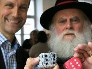 Eröffnung in Friedberg: Der neue Bürgermeister würfelt mit Granit