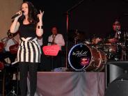 Konzert in Kissing: Musiker ohne Berührungsängste lassen es knistern