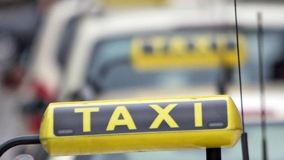 Augsburg: Skurriles aus Augsburg: Ab sofort Taxis ohne Erotikwerbung zu ordern