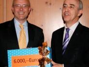 : Raiffeisenbank spendet für die Kirche St. Franziskus