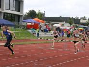 : Das Wetter hatte (fast) ein Einsehen im Landkreisstadion am Rothenberg