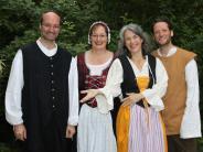 Altstadtfest: Vokalsolisten klagen, betteln und flirten