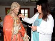 Porträt: Sie rettet Jesus vor dem Holzwurm