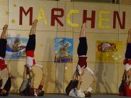 Turnen in Mering: Akrobaten überzeugen als Seefahrer in der Eduard-Ettensberger-Halle