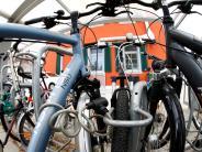 Polizei: Fremdes Fahrrad angekettet