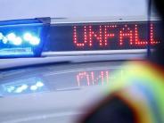 Aichach-Friedberg: Auto brennt auf A8 komplett aus - Lkw-Crash als Folge