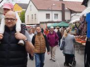 Einkaufen in Mering: Auch nach 100 Jahren kommt der Markt in Mering gut an
