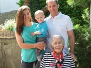 Geburtstag in Mering: Auch mit 90 fährt sie noch mit dem Auto
