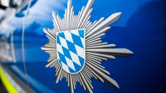 SEK-Großeinsatz: Mann beschädigt in Mehrfamilienhaus mit Axt Türen und bedroht Mitbewohner