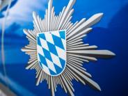 Oberbayern: Mann läuft mit Axt durch Wohnhaus und schlägt auf Türen ein