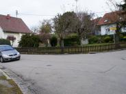 Raser in Hofhegnenberg: Pflanzkörbe sollen Verkehr bremsen