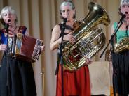 """Mering: Mords Mundwerk und """"a mega Musi"""" beim Konzert der Wellküren in Mering"""