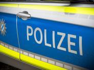 Unfall bei Merching: Laster fährt auf PKW auf