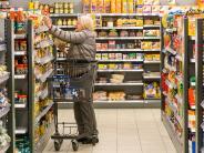 Kissing: Freiwillige bringen Senioren zum Supermarkt