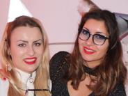 Silvester in Mering: Meringer tanzen mit Partymusik ins neue Jahr