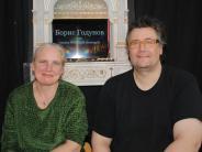 Erfolg in Mering: Das russische Fernsehen dreht im Papiertheater